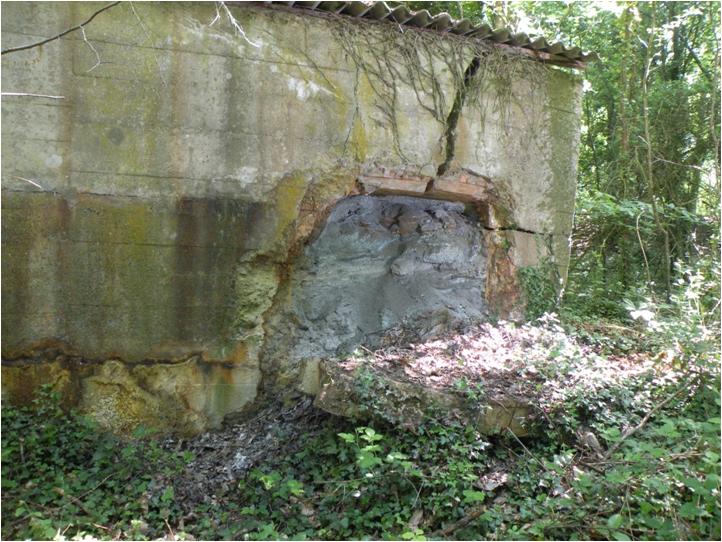 et ses stocks de pyrite rongeant le beton des blockhaus