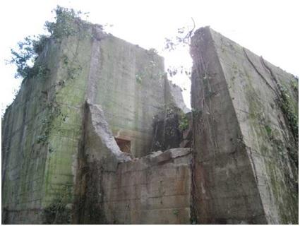 Restes de la laverie allemande détruite en 1944